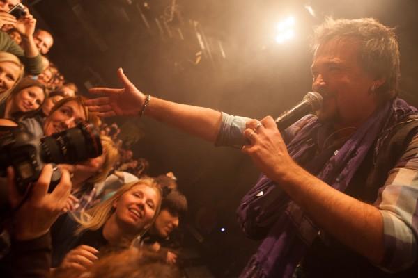 Zlatan Stipišić Gibonni at a concert in Cvetličarna, Ljubljana