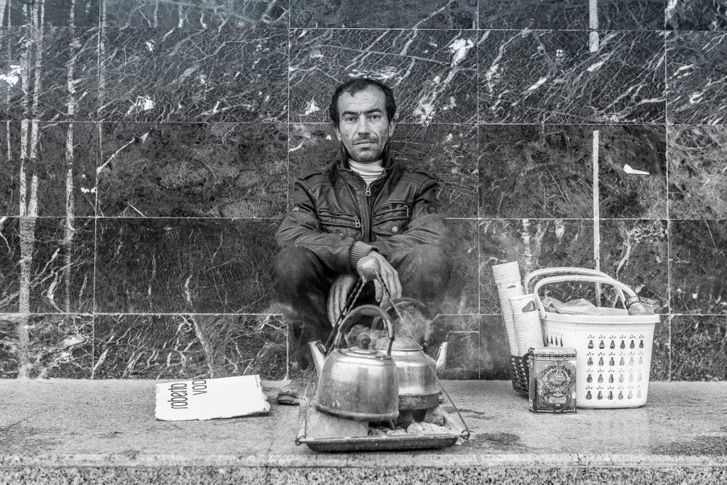 A tea / chai seller in Dohuk / Duhuk, Iraqi Kurdistan