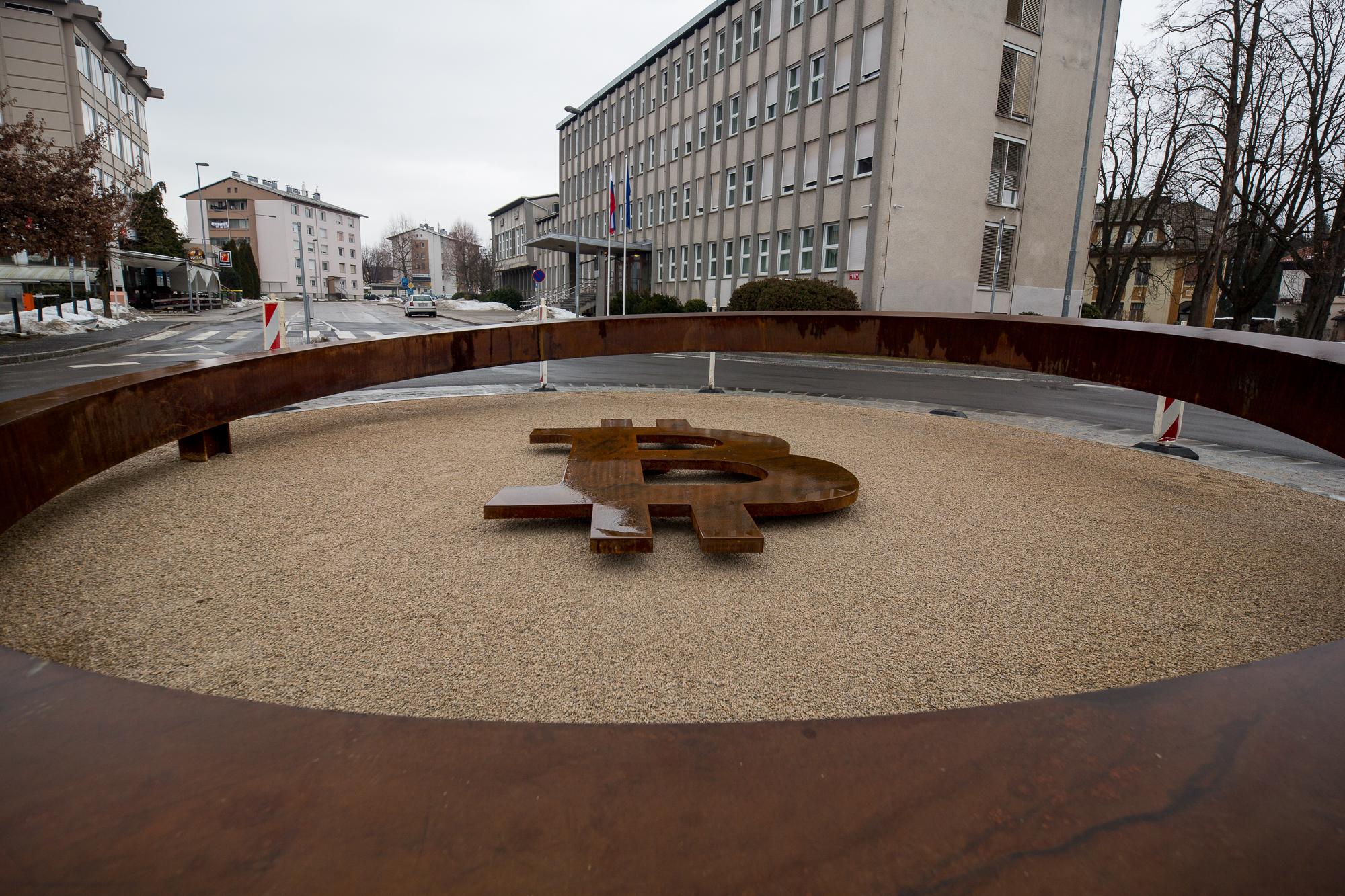 Élet+Stílus: A Graphisoft Parkban állítják fel a bitcoin alapítójának szobrát | diosgazda.hu