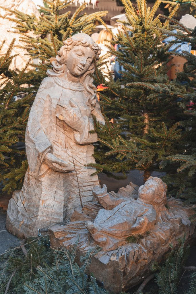 Wooden virgin Mary and baby Jesus at the Christmas market in Kla