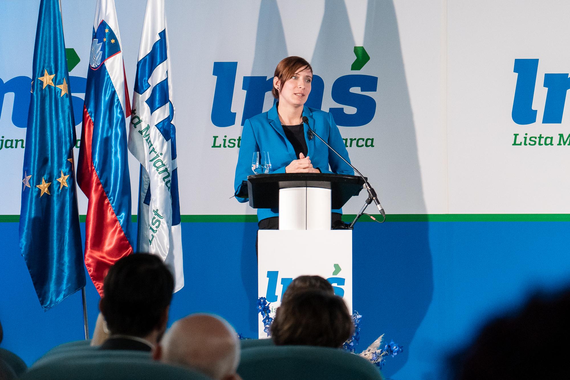 Jasna Gabrič, Mayor of Municipality of Trbovlje, on the stage at the Fifth Congress of Lista Marjana Šarca in Trbovlje